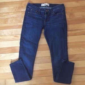 Hollister Super Skinny Jeans NWOT Size 3S W26 L29